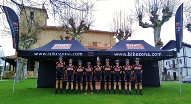 Espectacular puesta de largo de un renovado Bikezona Team 2018